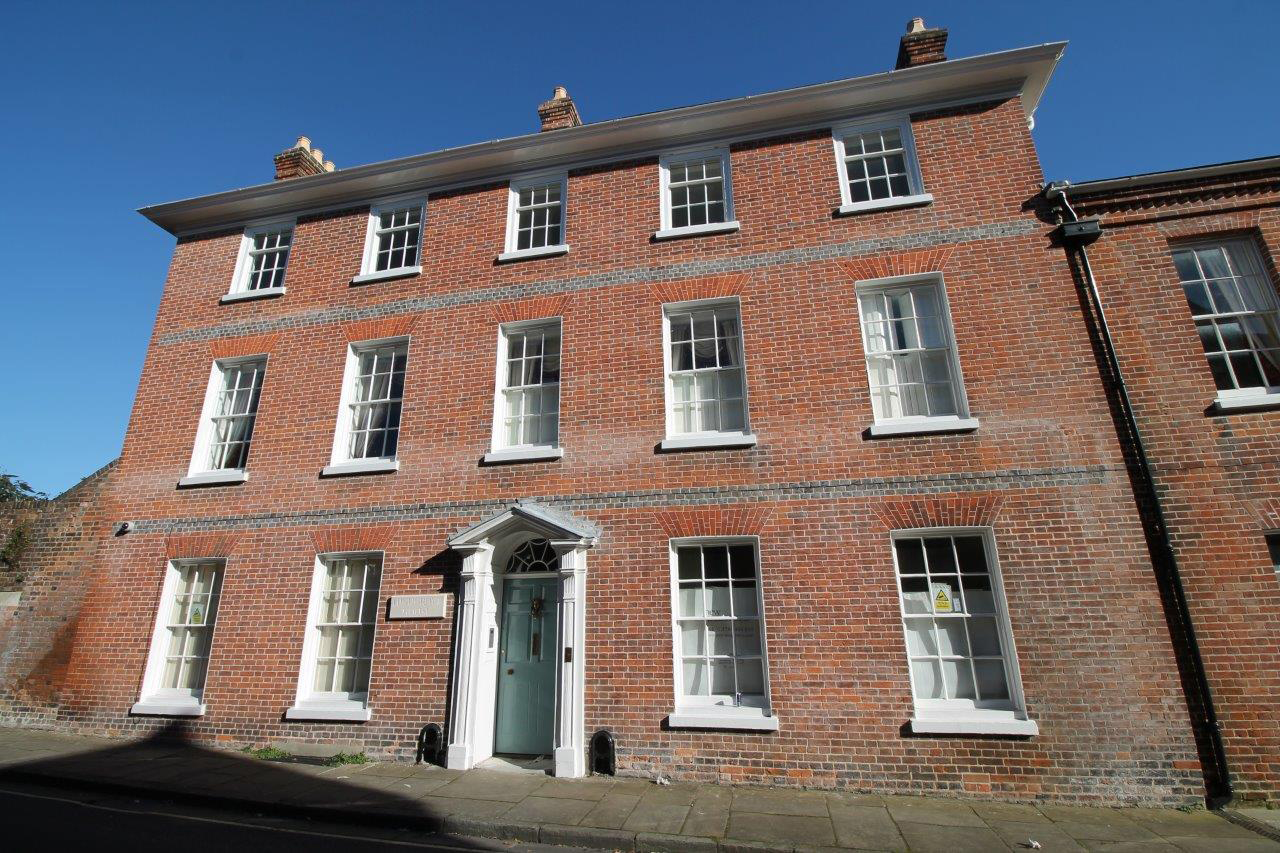 Grade II Listed House remodelling in Winchester